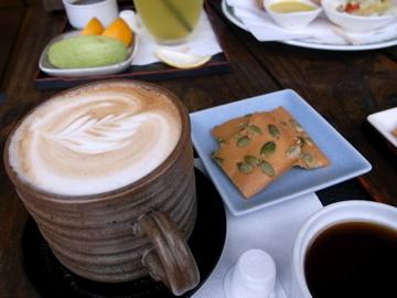 山行玫瑰-拿鐵咖啡