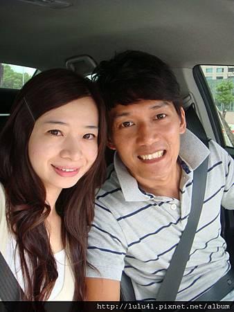 2011.08.05婚紗公司挑宴客禮服