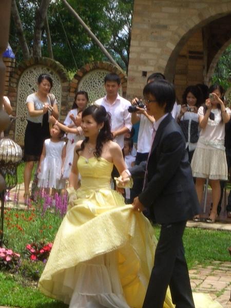 由兩位的共同老師證婚
