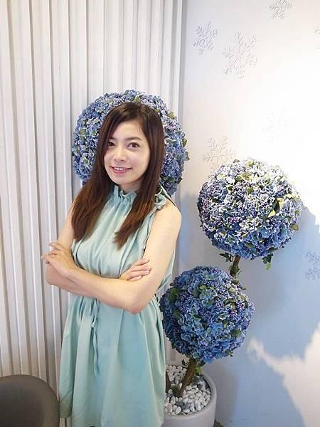 淘寶洋裝-D+af銀色高跟鞋 (23)
