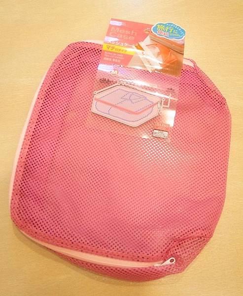 大創好物-旅行好物超實用-衣物收納袋-飾品收納盒-保養品分裝瓶罐-牙刷組-行李繫帶綁帶-髮飾收納-真空衣物袋 (50)