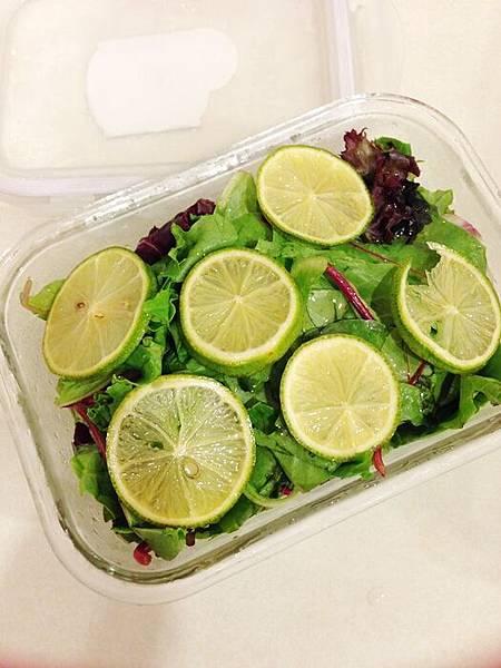 婚前瘦身大作戰-減肥餐減肥料理-青菜沙拉蔬菜輕食-costco-伊莉莎白辣醬 (28)