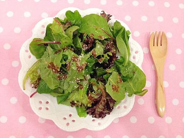 婚前瘦身大作戰-減肥餐減肥料理-青菜沙拉蔬菜輕食-costco-伊莉莎白辣醬 (15)