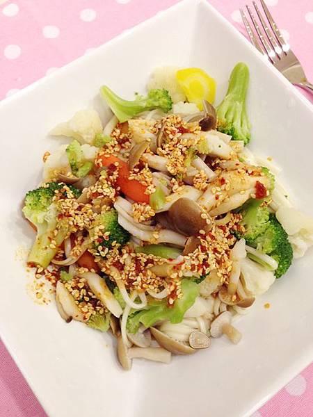 婚前瘦身大作戰-減肥餐減肥料理-青菜沙拉蔬菜輕食-costco-伊莉莎白辣醬 (31)