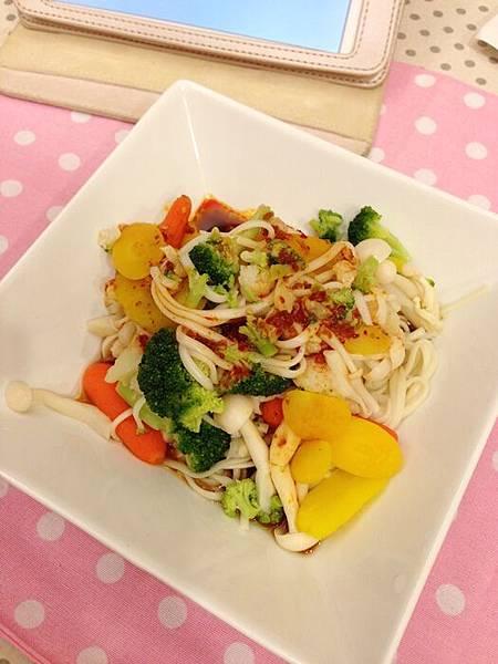 婚前瘦身大作戰-減肥餐減肥料理-青菜沙拉蔬菜輕食-costco-伊莉莎白辣醬 (34)