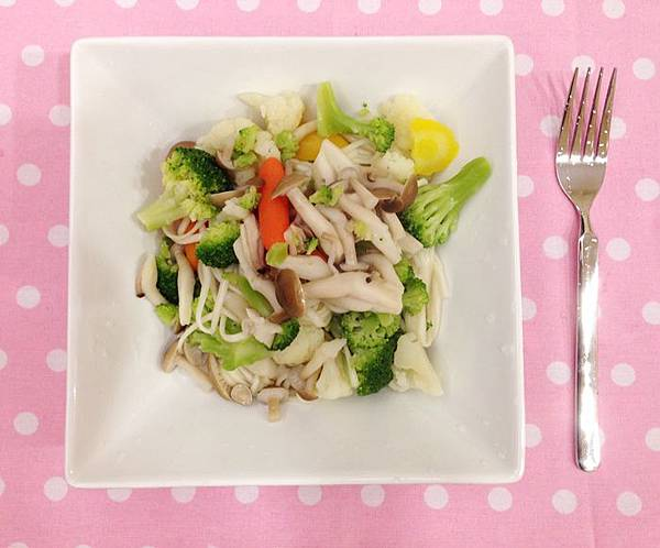 婚前瘦身大作戰-減肥餐減肥料理-青菜沙拉蔬菜輕食-costco-伊莉莎白辣醬 (29)
