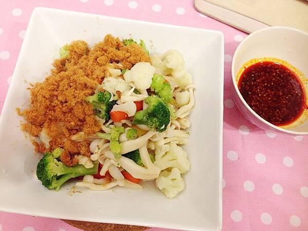 婚前瘦身大作戰-減肥餐減肥料理-青菜沙拉蔬菜輕食-costco-伊莉莎白辣醬 (41)