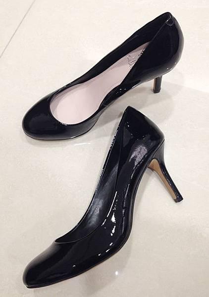 Vince Camuto-amazon購入-OL超百搭-黑色裸色漆皮高跟鞋 (37)
