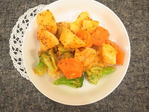 芥末奶油燉馬鈴薯蔬菜-日本House好侍北海道濃湯塊 (10)