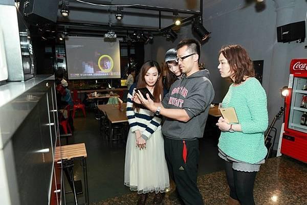真人實境密室逃脫遊戲-音樂故事解謎遊戲-披頭四-昨日的艾莉若-rolling cafe開機咖啡-Gelly Bomb Games (2)