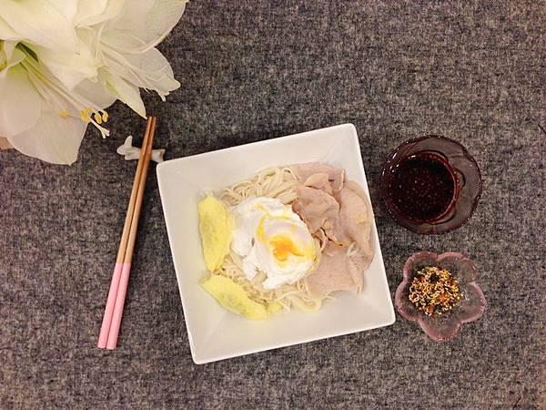 清冰箱料裡-Seria粉紅點點筷-大創櫻花碟玫瑰花碟 (3)