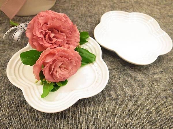 Le Creuset wedding gift-結婚禮物大賀禮-貴婦級LC鍋鑄鐵鍋-櫻花粉小花鍋花型鍋櫻花鍋花瓣鍋-花型盤-LC點心盤小花盤 (66)