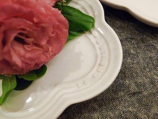 Le Creuset wedding gift-結婚禮物大賀禮-貴婦級LC鍋鑄鐵鍋-櫻花粉小花鍋花型鍋櫻花鍋花瓣鍋-花型盤-LC點心盤小花盤 (68)