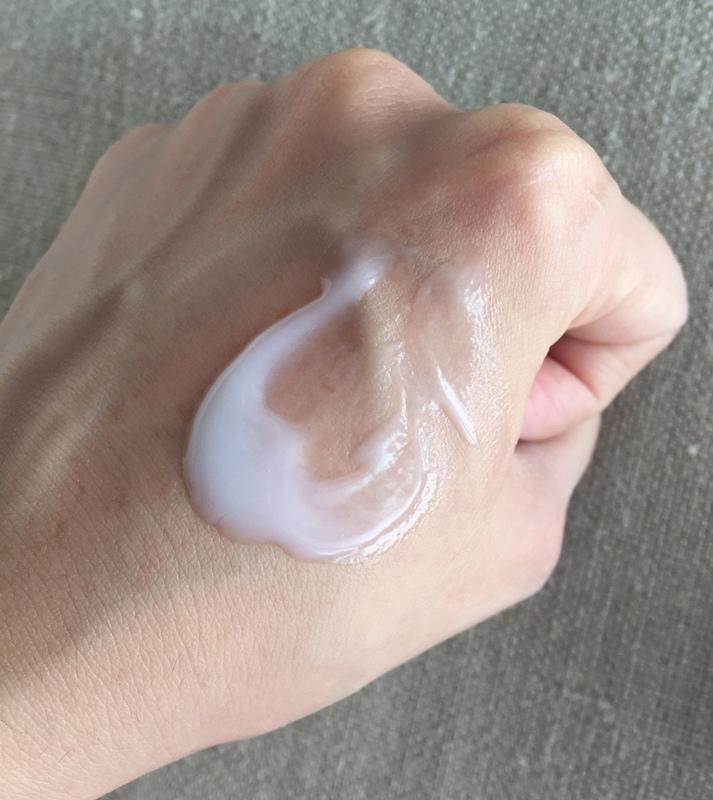 +ONE%歐恩伊-淨透奇蹟全效毛孔緊緻精華+5000倍微元素保濕精華+超光感鑽白防曬凝乳 (69)