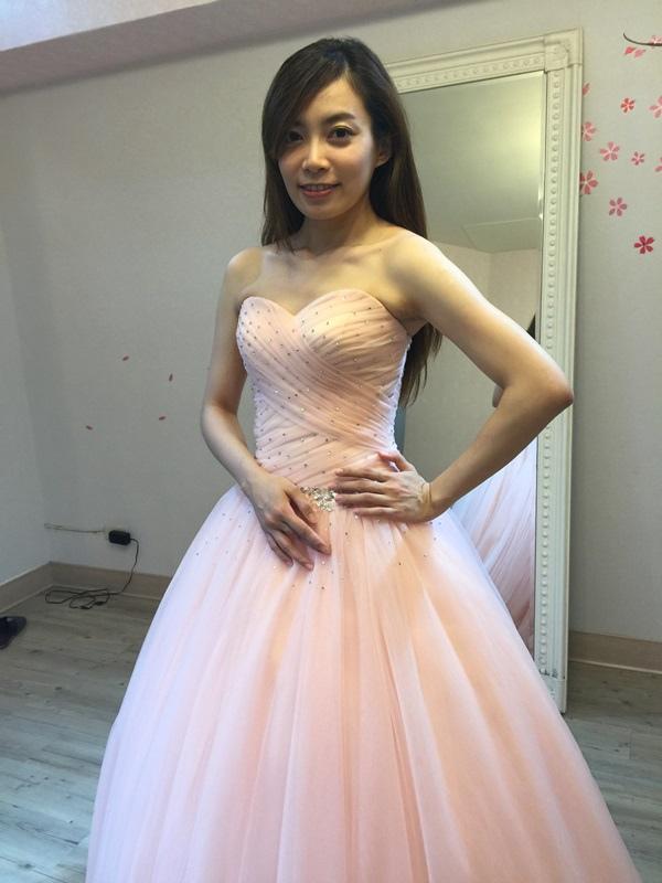 婚紗試穿-板橋愛維伊-白紗禮服試穿 (18)