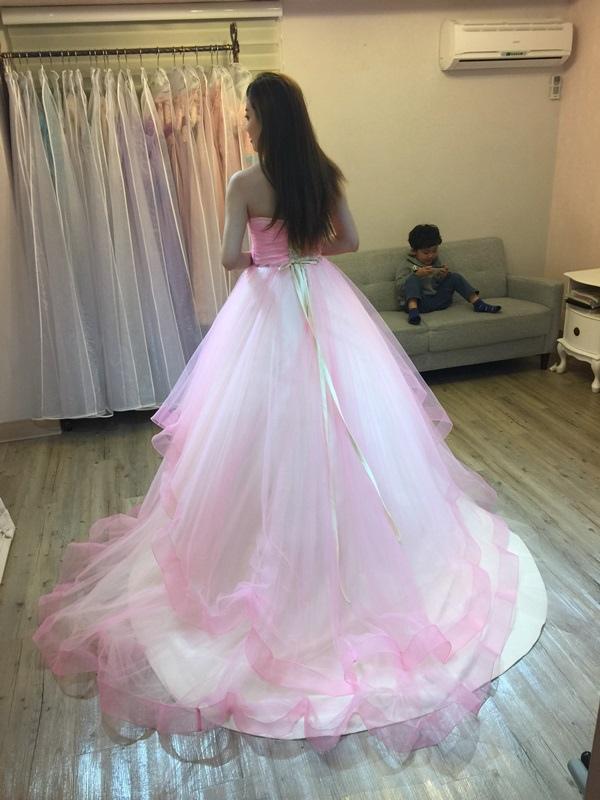 婚紗試穿-板橋愛維伊-白紗禮服試穿 (25)