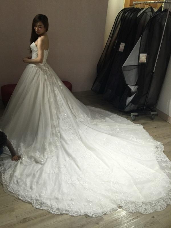婚紗試穿-板橋愛維伊-白紗禮服試穿 (54)
