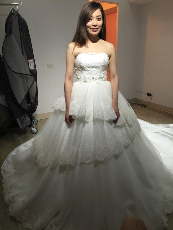 婚紗試穿-板橋愛維伊-白紗禮服試穿 (63)