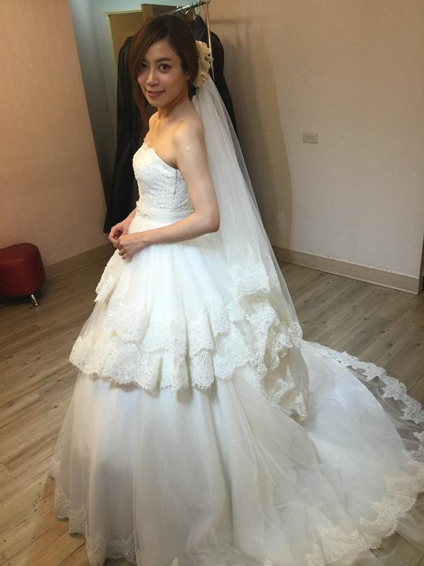 婚紗試穿-板橋愛維伊-白紗禮服試穿 (88)