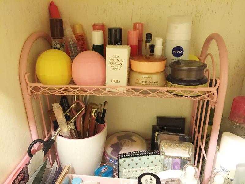 小套房的收納佈置整理-保養品櫃+小廚房 (6)