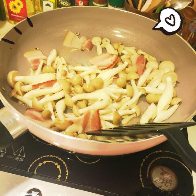 單身小廚房-減肥食譜減肥便當自己煮DIY-泡菜培根鴻喜菇 (4)
