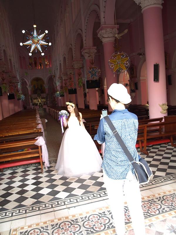 自己拍婚紗-越南自助婚紗-胡志明市粉紅教堂新定教堂西貢耶穌聖心堂拍婚紗-淘寶婚紗 (126)