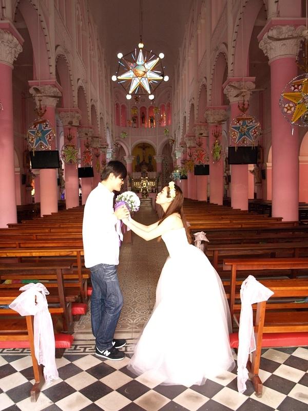 自己拍婚紗-越南自助婚紗-胡志明市粉紅教堂新定教堂西貢耶穌聖心堂拍婚紗-淘寶婚紗 (129)