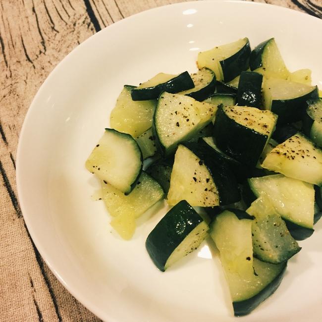 愛妻便當-烤蔬菜-鴻喜菇炒松板豬 (2)