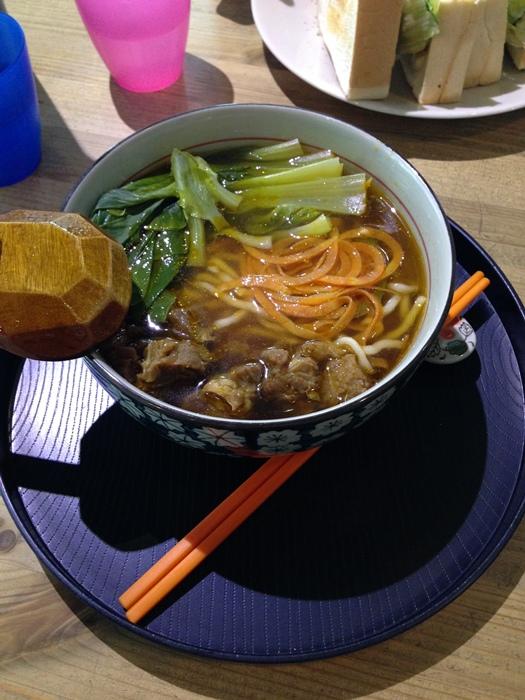 板橋新埔捷運美食-rainbows彩虹咖啡-咖啡拉花-牛辣麵 (19)