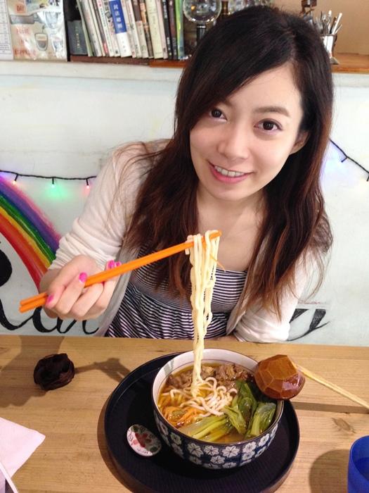 板橋新埔捷運美食-rainbows彩虹咖啡-咖啡拉花-牛辣麵 (21)