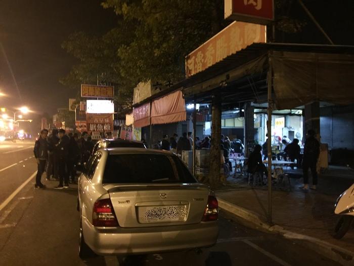 凌晨五點開賣-六千牛肉湯-台南小吃排隊美食推薦-牛肉湯界的傳奇-溫體牛肉涮清湯 (25)