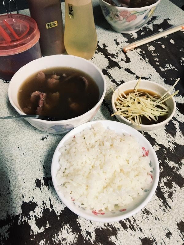 凌晨五點開賣-六千牛肉湯-台南小吃排隊美食推薦-牛肉湯界的傳奇-溫體牛肉涮清湯 (45)