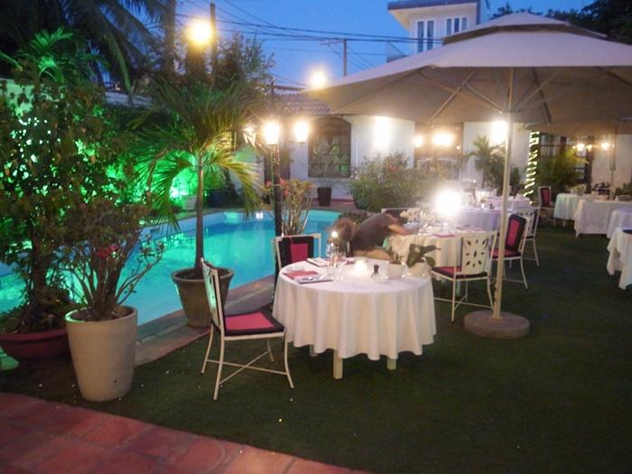 越南旅遊胡志明市自助旅行必吃法國料理推薦法國餐廳trois gourmands 3G法國料理超威甜點美食起司 (61)