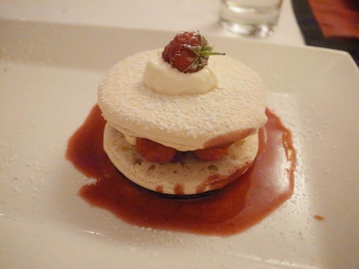 越南旅遊胡志明市自助旅行必吃法國料理推薦法國餐廳trois gourmands 3G法國料理超威甜點美食起司 (120)