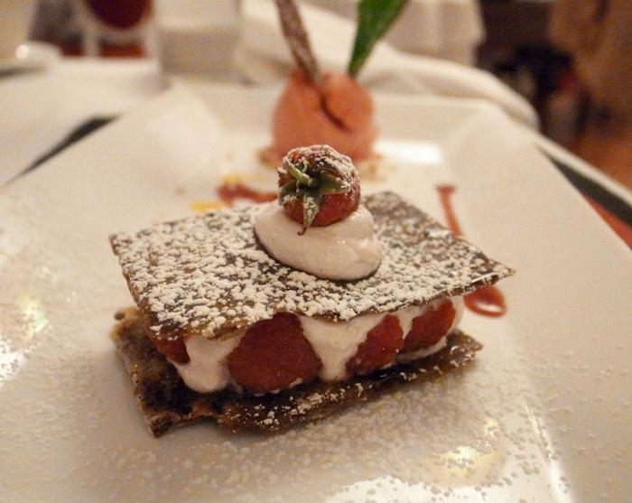 越南旅遊胡志明市自助旅行必吃法國料理推薦法國餐廳trois gourmands 3G法國料理超威甜點美食起司 (125)