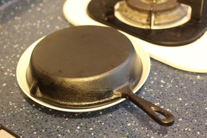 nitori宜得利小鐵鍋開鍋注意事項-15cm 19cm-開鍋料理-煎蛋-荷蘭鬆餅dutch baby (24)