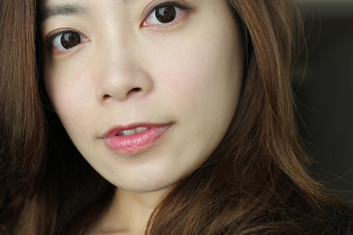 Elizabeth bon bon tint gloss 日本藥妝戰利品 血紅色唇彩 不掉色美容液唇蜜(63)