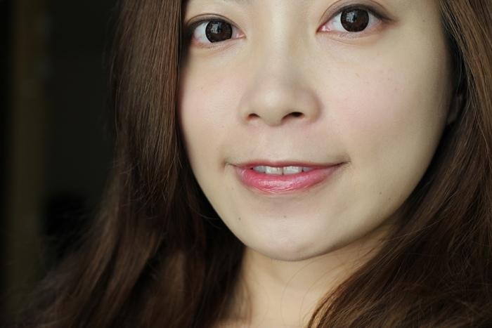 Elizabeth bon bon tint gloss 日本藥妝戰利品 血紅色唇彩 不掉色美容液唇蜜(67)