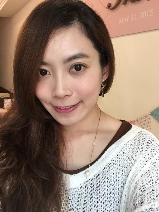 Elizabeth bon bon tint gloss 日本藥妝戰利品 血紅色唇彩 不掉色美容液唇蜜(53)