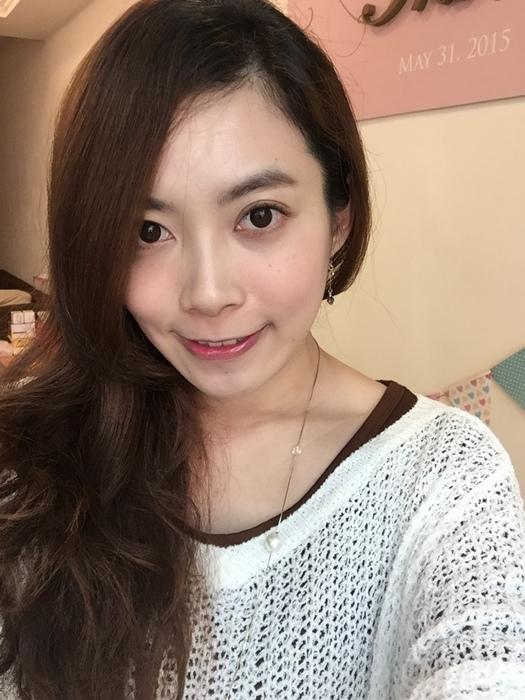 Elizabeth bon bon tint gloss 日本藥妝戰利品 血紅色唇彩 不掉色美容液唇蜜(52)