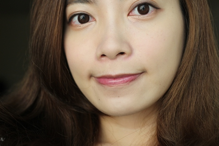 Elizabeth bon bon tint gloss 日本藥妝戰利品 血紅色唇彩 不掉色美容液唇蜜(74)