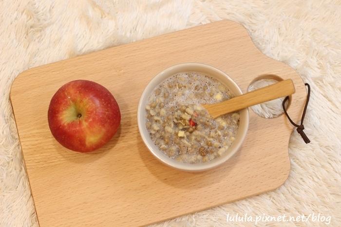 日本超市美食-Calbee卡樂比草莓水果乾穀片麥片-早餐麥片 (5)
