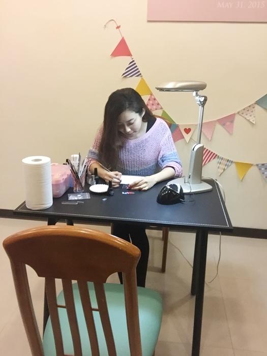 UNT MUCA居家光療DIY小花家庭美甲師開店囉~美甲師之路~幫別人做光療指甲 (45)