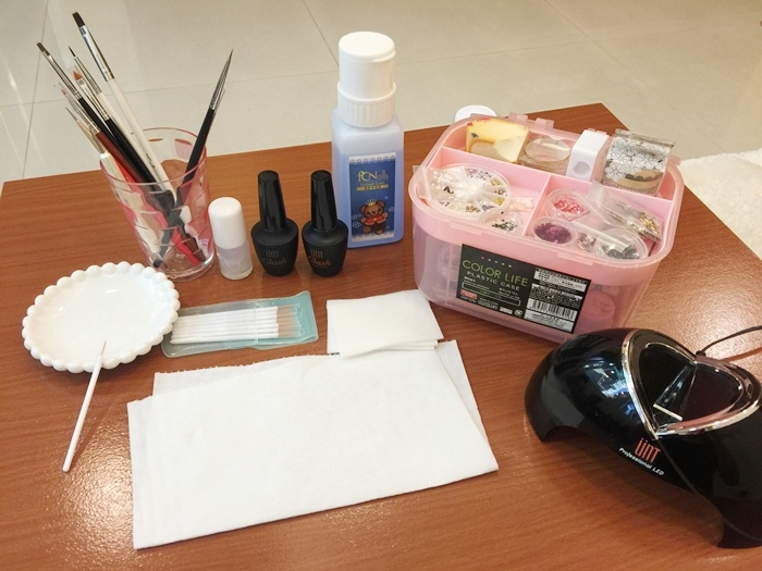 Daiso大創好物-新手美甲玩家方便入手的美甲DIY工具-光撩光療指甲凝膠指甲-光療筆彩繪筆-點珠筆-黏鑽筆-櫸木棒-畫線筆-美甲貼紙-美甲裝飾金屬片 (16)