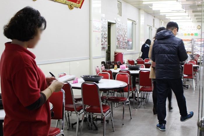小紅莓火鍋城-石頭火鍋-古早味-台北松山南京三民站-35年老店 (41)