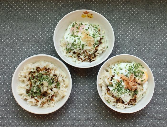 Daiso大創好物-阿舍乾麵-蝦仁干貝櫻花蝦-沙茶海鮮醬汁口味-懶人料理-簡便晚餐 (45)