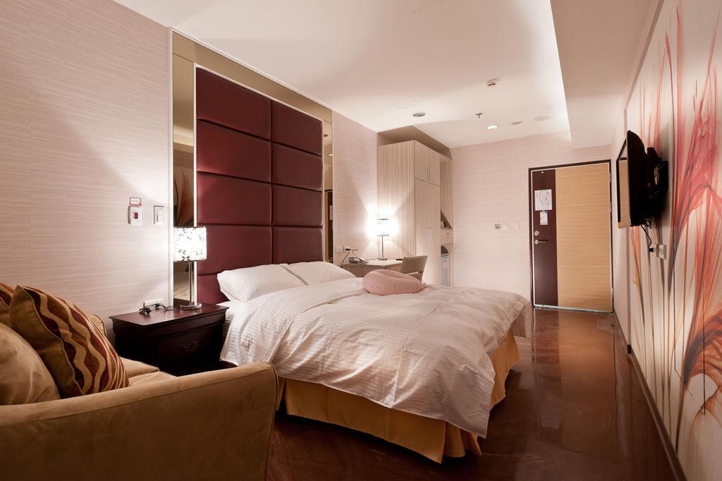 room411