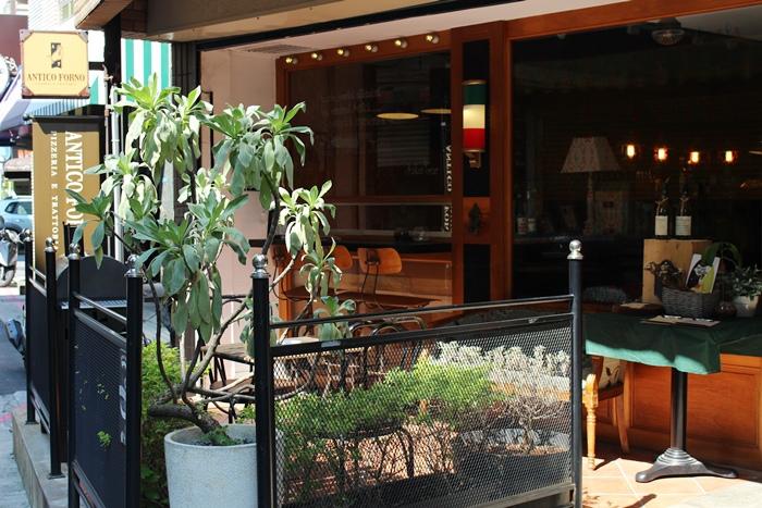 老烤箱義式手桿披薩-老烤箱義式披薩餐酒-義式小酒館-Antico Forno-帥哥-台北大安區瑞安街 (67)