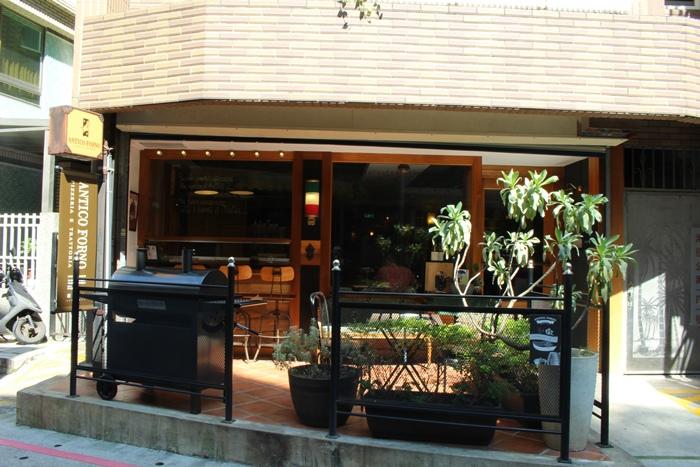 老烤箱義式手桿披薩-老烤箱義式披薩餐酒-義式小酒館-Antico Forno-帥哥-台北大安區瑞安街 (66)
