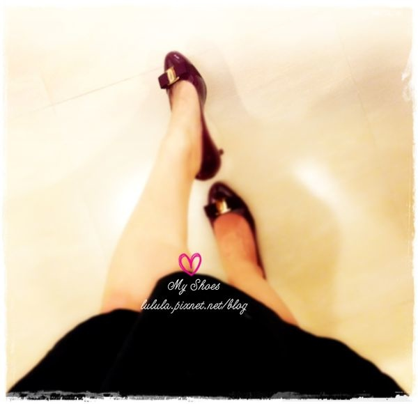 孕婦日記-跟高跟鞋說掰掰-鞋櫃裡的15雙高跟鞋收藏-D+af-Ferragamo-Vince Camuto-Red Velvet 紅絲絨婚鞋-Bo Derek-Diana (221)